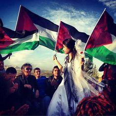 وُلِدَ الحُبٌّ فِلِسلطِينيّاً  #Palestine #فلسطين