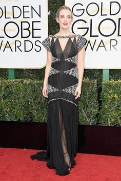 Riley Keough in Chanel Haute Couture in the Golden Globes 2017 Red Carpet Arrivals