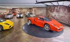Modern Garage, Dream Cars, Garage Walls, Garage House, Garage Doors, Garage Ideas, Man Caves, Underground Garage, Luxury Garage