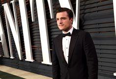 Josh Hutcherson attends the 2015 Vanity Fair Oscar Party
