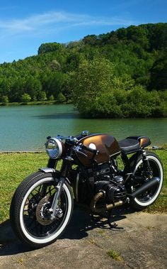 Motorcycle Discover ROAD BURNER BMW Road Burner Garage is run by friends who customise motorcycles for a living. Their latest work is this BMW cafe racer that is a nod to the new R Nine T. Bmw Cafe Racer, Cafe Racer Logo, Cafe Racer Motorcycle, Motorcycle Design, Motorcycle Style, Bike Design, Kids Motorcycle, Cafe Racer Build, Motorcycle Helmets
