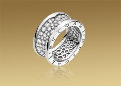 B.ZERO1 ring in 18kt white gold with pavé diamonds