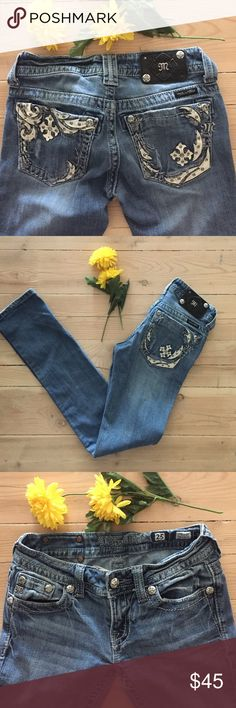 """  Miss Me Straight Leg Jeans Miss Me straight leg jeans.  Missing 2 rivets on back, otherwise excellent condition.  No wear on bottom of legs.  Inseam is 32"""". Miss Me Jeans Straight Leg"""