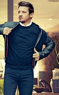 Jeremy Renner  I love this outfit so much!