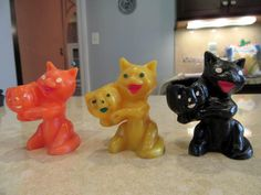 As holiday collectors ourselves for more than 20 years, we thought we had seen every Halloween collectible available, but we had never seen these little guys/girls. This is a set of three little wax 1950s Halloween, Halloween Magic, Halloween Candles, Halloween Season, Halloween Cat, Vintage Halloween, Halloween Decorations, Halloween Kitchen, Vintage Candles