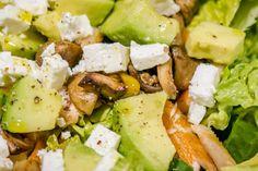 Celozrnný chléb se semínky a mrkví - Spicy Crumbs Cobb Salad, Spicy, Food, Essen, Meals, Yemek, Eten