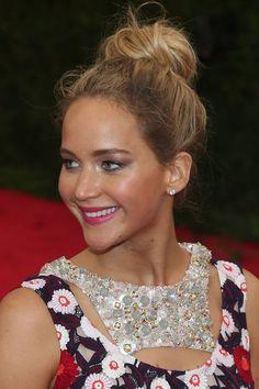 Jennifer Lawrence Le chignon boule