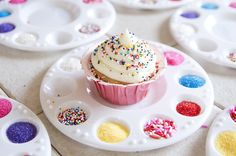 Every little girl dreams of princesses, kittens, mermaids, sparkles, ponies, candy, and pink EVERYTHING on their birthday. Here are a few...