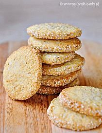 COOKIES WITH SESAME SEEDS flour - chilled cubes for baking Kasia- sugar - caster sugar - 1 egg - 1 package of vanilla sugar - tsp baking powder - 7 tbs sesame seeds - Sweet Cookies, Biscuit Cookies, Sweet Treats, Sesame Cookies, Vanilla Sugar, Dairy Free Recipes, Gluten Free, Grubs, Freshly Baked