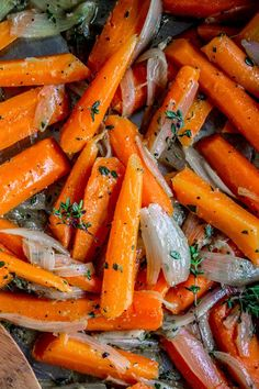Sautéed Carrots and Shallots with Thyme - The Food Charlatan Very tasty and easy! This is from a gal who isnt thrilled about carrots! Sauteed Carrots, Cooked Carrots, Blue Potatoes, Carrot Recipes, Vegetable Recipes, Vegetarian Recipes, Cooking Recipes, Healthy Recipes, Salads