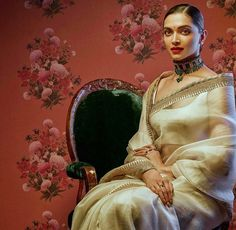 Bollywood actress Deepika padukone in Sabyasachi saree Deepika Padukone Lehenga, Sabyasachi Sarees, Indian Sarees, Deepika Ranveer, Sabhyasachi Lehenga, Banarsi Saree, Anarkali, Indian Dresses, Indian Outfits