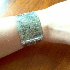 Jewelry - Vintage Pewter Cuff