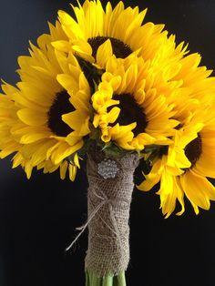 sunflower bridal bouquet | Via Bloomers Floral Design