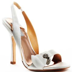 Badgley Mishka Wedding Shoes #weddingshoes #badgleymishka #wedding