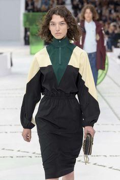 Lacoste, Spring / Summer Paris, Womenswear Source by createlovey Fashion Themes, Fashion Now, Modern Fashion, Girl Fashion, Fashion Design, Silhouette Mode, Fashion Silhouette, Style Casual, Sporty Style