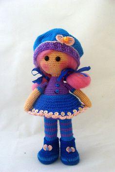 PDF Кукла Софи. Бесплатный мастер-класс, схема и описание для вязания игрушки амигуруми крючком. Вяжем игрушки своими руками! FREE amigurumi pattern. #амигуруми #amigurumi #схема #описание #мк #pattern #вязание #crochet #knitting #toy #handmade #поделки #pdf #рукоделие #кукла #куколка #doll Amigurumi Toys, Amigurumi Patterns, Doll Patterns, Softies, Plushies, Crochet Doll Pattern, Crochet Dolls, Crochet Patterns, Amigurumi Tutorial