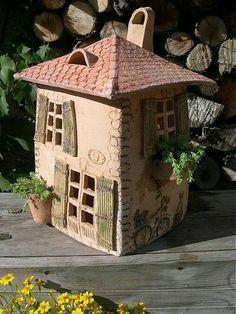 Clay Houses, Ceramic Houses, Miniature Houses, Ceramic Clay, Pottery Houses, Pottery Pots, Ceramic Pottery, Ceramics Projects, Clay Projects