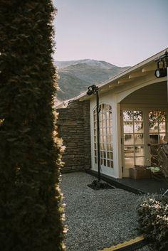 2017 WILD HEARTS WEDDING FAIR QUEENSTOWN The Winehouse New Zealand Weddings Wedding Venues, Wedding Ideas, Wedding Photography Styles, Wedding Fair, Wild Hearts, New Zealand, Magazine, Weddings, Mansions