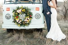 Volkswagen bus wedding editorial | Photo by Kristina Curtis Photography | http://www.100layercake.com/blog/wp-content/uploads/2015/03/Volkswagen-bus-wedding-editorial