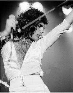 Freddie Mercury and Queen image John Deacon, Freddie Mecury, Mr Fahrenheit, Roger Taylor, Queen Photos, Queen Freddie Mercury, Queen Band, Brian May, Killer Queen