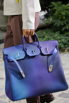To know more about HERMES 2019 SS, visit Sumally, a social network that gathers together all the wanted things in the world! Featuring over other HERMES items too! Hermes Men, Hermes Bags, Hermes Handbags, Hermes Birkin, Tote Handbags, Birkin Bags, Hermes Store, Ladies Handbags, Fashion Bags