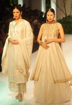 India Bridal Fashion Week 2013: Meera Muzaffar Ali  Totally gorgeous plus the kotwara label. <3  How can anyone not love this