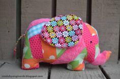 Une peluche à coudre : un éléphant patchwork