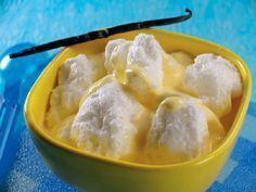 Ez a recept elrontatatlan! Ha finom madártejre vágysz, ami villámgyorsan elkészül, ezt próbáld ki! Hozzávalók: 200 g cukor 4 tojás 2 tasak vaníliás cukor 1 teáskanál reszelt citromhéj 1 liter tej Elkészítése: A tejet feltesszük főni. A tojásfehérjékből 50 g cukorral és 1 tasak vaníliás cukorral kemény habot vetünk. Mikor[...]