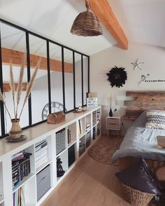 Home Interior Design, Interior Architecture, Interior And Exterior, Living Pequeños, Studio Apartment Floor Plans, Bohemian Living Rooms, Loft Interiors, Loft Room, Staircase Design
