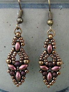 Linda's Crafty Inspirations: Four more pairs of Elinor Earrings ~ Seed Bead Tutorials