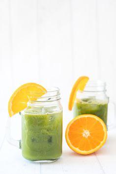 Matcha orange juice is a delicious easy drink for summer. Summer Drink Recipes, Summer Drinks, Matcha, Orange Juice, Mason Jars, Tea, Mugs, Tableware, Food