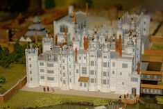 A model of the now lost royal apartments of Richmond Palace on display at the Museum of Richmond. Richmond Palace, Castles In England, Tudor Era, Royal Residence, Tudor House, British History, Local History, Medieval Castle, Historical Architecture
