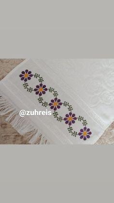 Cross Stitch Borders, Cross Stitch Patterns, Hand Embroidery Design Patterns, Filet Crochet, Baby Knitting Patterns, Pattern Design, Diy And Crafts, Kids Beanies, Crochet Box
