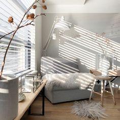 1,055 vind-ik-leuks, 149 opmerkingen - ➕Anne_home_14🖤 (@anne_home_14) op Instagram: '+ + S u n n y d a y s + + + + Goedemorgen lieverds! Genieten jullie ook zo van deze mooie dagen?…' Blinds, Sweet Home, Curtains, Home Decor, Instagram, Decoration Home, House Beautiful, Room Decor, Shades Blinds