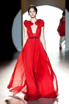 Queen Cersei Lannister in red