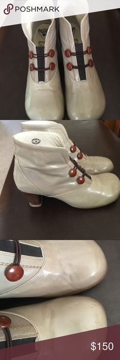 """John Fluevog """"Operetta"""" boots Pearl grey . Size 10. Show some signs of wear but only worn 3 times. Insides are clean . Heals are not worn done John Fluevog Shoes Ankle Boots & Booties"""