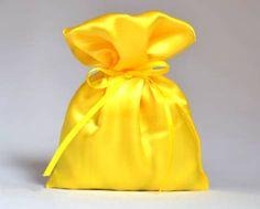 12-Saquinho de Cetim Amarelo ( vários tamanhos)  - Oferendas.Net