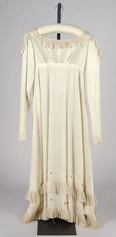 Dress, 1805–10. American, Cotton, Brooklyn Museum Costume Collection at The Metropolitan Museum of Art (2009.300.7158) [Incorrect date?]