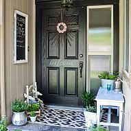Front porch makeover (love the rug and planters!)