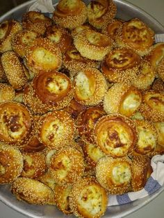 Finger Food Appetizers, Finger Foods, Appetizer Recipes, Greek Recipes, My Recipes, Cooking Recipes, Greek Pita, Creative Food, Bakery