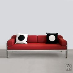 Tubular steel couch/daybed in the style of the Bauhaus-Modernism, Bauhaus-Modernism - Zeitlos Berlin (Sofas Bauhaus, Office Sofa, Palette, Tubular Steel, Couch, Daybed, Architecture Design, Berlin, Modernism