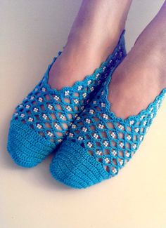 Items similar to Hand knitted slippers, socks, home shoes, booties - woman's - Blue color with the beads - Modern design on Etsy Knitted Slippers, Slipper Socks, Baby Knitting Patterns, Hand Knitting, Compression Stockings, Calf Socks, Designer Socks, Baby Booties, Sock Shoes