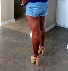 Shorts With Tights, Levi Shorts, Hot High Heels, Sexy Heels, Bedroom Heels, Nylons Heels, School Shoes, Clogs Shoes, Platform Mules