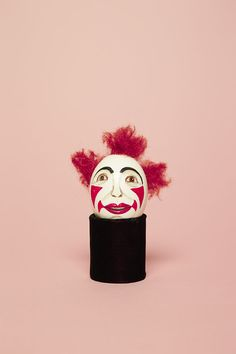Why Smart Clowns Immortalize Their Make-up Designs on Ceramic Eggs | Atlas Obscura