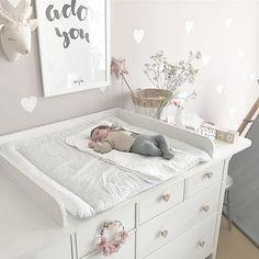 IKEA Hemnes Hack Wickelkommode Wickeltisch DIY Mädchenzimmer Babyroom Girlsroom Wandsticker