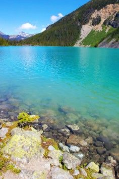 This is one of the most beautiful lakes in all of North America...and perhaps even the world. The water is so unbelievably bright and blue you need to see it to believe it...