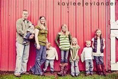 large family pose @Jess Weinstock-Landers