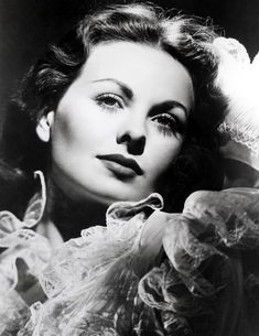 Classic Actresses (The Jeanne Crain Golden Age Of Hollywood, Vintage Hollywood, Hollywood Glamour, Classic Hollywood, Hollywood Style, Hollywood Icons, Hollywood Actresses, Kirk Douglas, Classic Actresses