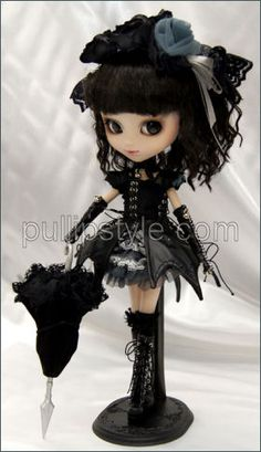 P-033 May 2011 - Pullip Gothic Lolita Yuki Chan - SOLD OUT