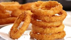Super Crispy Homemade Onion Rings - Cook n' Share - World Cuisines Anna Olson, New Recipes, Cooking Recipes, Favorite Recipes, Onion Recipes, Cooking Hacks, Cooking Oil, Veggie Recipes, Chicken Recipes